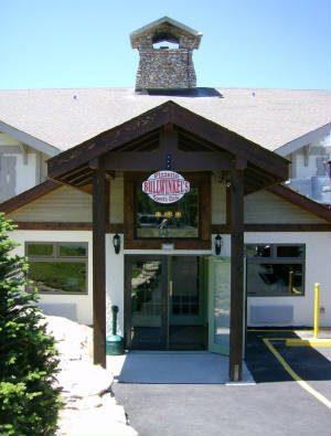 Bullwinkels Pizzeria & Sports Cafe.jpg